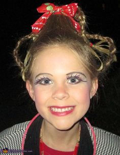Cindy Lou Who makeup
