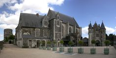 Photo : La Haute Cour du Château d'Angers