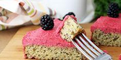 Lemon poppy seed cake with blackberry butter cream, 4.7 net carbs