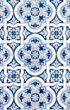Portuguese Tiles, Classic & Traditional * More texture inspiration . - Portuguese Tiles, Classic & Traditional * You can find more texture inspiration at www. Tile Patterns, Textures Patterns, Print Patterns, Blue Tiles, White Tiles, Tile Art, Mosaic Tiles, Cement Tiles, Wall Tiles