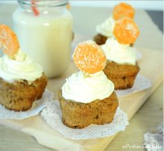 Cupcakes de zanahoria elaborados con ingredientes naturales y nutritivos: avena, zanahoria, frutos secos. ver la receta completa