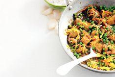 Kijk wat een lekker recept ik heb gevonden op Allerhande! Indische kipsmoor met tuinerwten