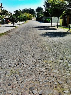 A mitad del camino, por Mario Chavez Sidewalk, Spaces, Image, Drive Way, Fotografia, Walkways, Pavement