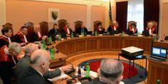 Ustavni sud Bosne i Hercegovine je utvrdio da odredba člana 3.b) Zakona o praznicima Republike Srpske prestaje da važi narednog dana od dana objavljiv...