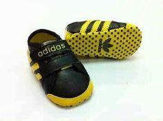 #prewalker #adidas #black #yellow IDR 57.000  Line : cs.itstorebaby           SMS&WA : 081287631820 Pin : 7E076634