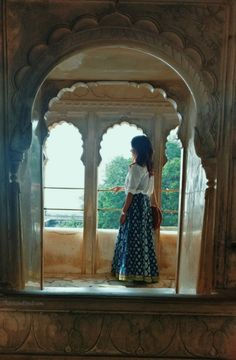 The World's Largest Travel Site Jaipur Travel, India Travel, Girl Photography Poses, Travel Photography, City Palace Jaipur, Tips For Traveling Alone, Travel Pose, Weather In India, Islamic World