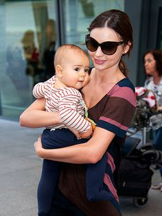 what a pretty baby (and mother)!!!! miranda kerr and flynn bloom :)