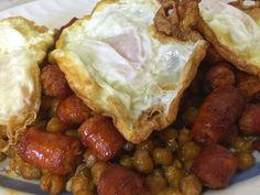 Bicheando en la cocina: Garbanzos fritos con huevos y chistorra