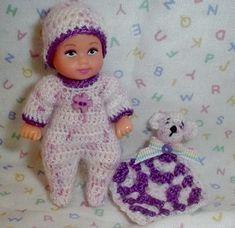 Crochet Doll Pattern, Crochet Dolls, Crochet Baby, Mini Bebidas, Baby Float, Realistic Baby Dolls, Sewing Stitches, Ken Doll, Vintage Barbie Dolls
