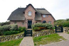 Ferienhaus Godewind Watt in Sylt-Rantum, Nordsee - Ansicht vom Strandweg