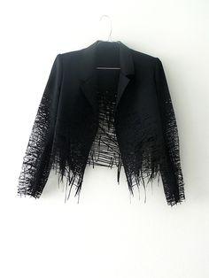 Elvira't Hart - Collection pour l'exposition Fashionclash - 2012. Et si je vous disais de faire du dessin 2D un vêtement 3D ? Vous me répondriez surement que c'est le quotidien banal de tout créa...