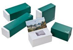 Sehr hochwertige Verpackung in limitierter Auflage für Ferngläser.  Schuber kaschiert. Innenverpackung und Innenteile kaschiert. Innenseite des Deckels offsetbedruckt. Blindprägung auf Schuber und Innenverpackung.  Herausnehmbare Box für Zubehör. • #Dinkhauser Kartonagen, # Buchbinderei Polaroid Film, Box, Book Binding, Binoculars, Packaging, Products, Boxes