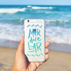 Eita que tem NOVA COLEÇÃO no nosso site do @lifeonadraw! São cinco belezuras prontinhas para deixar seu smartphone cheio de estilo. Vai lá conferir! {case: mar doce lar} [FRETE GRÁTIS A PARTIR DE DUAS GOCASES] #gocasebr #instagood #iphonecase #beach #lifeonadraw #minhagocase