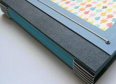 Projetos exclusivos e personalizados de encadernação artísica, cartonagem, crochê e ilustração.