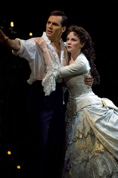 Photo of Ryan Silverman as Raoul and Jennifer Hope Wills as Christine Daae in The Phantom of the Opera. Phantom Of The Opera, Opera Show, Broadway Costumes, Music Of The Night, Unsung Hero, London Theatre, Great Love Stories, Show Photos