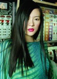 на фото Чжан Цзыи