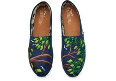 A hand-painted collection inspired by travel and the people of Haiti - TOMS Haiti Artist Collective Classics