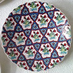 Decoupage Art, Tile Art, Ceramic Painting, Islamic Art, Pottery, Clay, Ceramics, Holiday Decor, Artwork