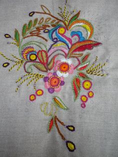 motif broderie glazig 10 Hand Embroidery Dress, Tambour Embroidery, Embroidery Stitches, Embroidery Patterns, Embroidery Designs Free Download, Christmas Stocking Kits, Diy And Crafts, Arts And Crafts, Bordados E Cia