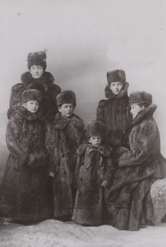 The Countess of Minto and family
