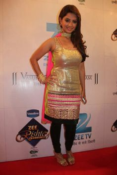 Adaa Khan is looking so hot in her Indian attire.