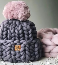 50 Unique Helpful hints For Pom Pon, Pom Pom Hat, Vogue Knitting, Hand Knitting, Baby Blanket Crochet, Crochet Baby, Knitted Blankets, Knitted Hats, Wool And The Gang