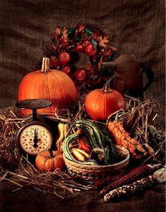 Cute centerpiece for fall Decoration Inspiration, Autumn Inspiration, Autumn Display, Fall Displays, Store Displays, Vibeke Design, Primitive Fall, Primitive Crafts, Primitive Christmas