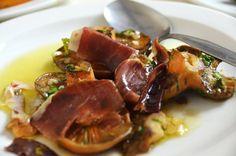 """Setas con jamón ibérico de Jabugo (Restaurante Arrieros, Linares de la Sierra, Huelva)  / Mushrooms with """"jamón ibérico"""" of Jabugo (Arrieros Restaurant, Linares de la Sierra, Huelva)"""