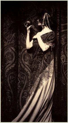 The Odor of Pomegranates - Platinum print - Zaida Ben-Yusuf c. 1899.