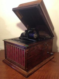 Antique Edison Diamond Disc Phonograph Shipping Crate By