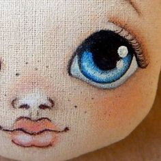 No photo description available. Painting a doll face This Pin was discovered by Joa Comments in Topic Doll Face Paint, Doll Painting, Fabric Painting, Pattern Painting, Paint Fabric, Doll Patterns, Clothing Patterns, Doll Eyes, Doll Tutorial