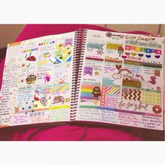 """""""This past week in my @erincondren planner is complete and, with it, so is my colorful planning layout! Time to start an entirely new week. ♡ #planner…"""""""