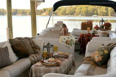 Fall Pontoon Picnic | homeiswheretheboatis.net #plaid