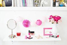 wall shelf vanity
