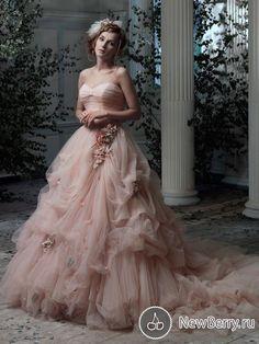 Wedding Collection 2013 Ian Stuart Brautjungfer Outfit, Farbige  Brautkleider, Couture Brautkleider, Prinzessinnen,
