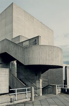 In search of brilliant architecture around London? Head to the National Theatre for this spiral concrete staircase. Concrete Architecture, London Architecture, Industrial Architecture, Concrete Building, Art And Architecture, Theatre Architecture, Concrete Staircase, Brutalist Buildings, National Theatre