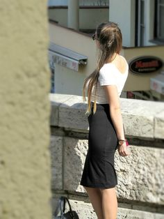 Outfit - Crop top and High waist skirt