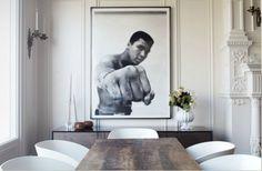 Dine! In black and white. Interior Designer: Soledad Alzaga