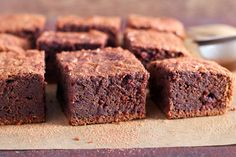 Green Banana Flour is gluten-free & holds many scientific benefits. Find out more here as well as some delicious Green Banana Flour recipes! Flour Recipes, Sugar Free Recipes, Sweet Recipes, Pavlova, Gluten Free Chocolate, Delicious Chocolate, Chocolate Recipes, Healthy Chocolate, Brownie Sem Gluten
