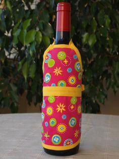 Delantal para botellas hecho de tejido algodón/poliéster y cinta de algodón. Lavable a 30 grados. Bottle, Color, Home Decor, Shower Party, Kitchen, Xmas, Dishwasher, Soaps, Bag Packaging