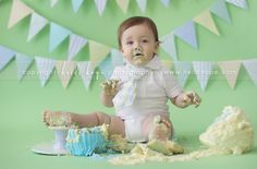 Happy Birthday baby H! First birthday cake smash portrait session at the studio. Boys First Birthday Cake, Baby Boy First Birthday, Birthday Cake Smash, First Birthday Photos, First Birthday Cakes, First Birthday Parties, First Birthdays, Birthday Ideas, Picture Ideas