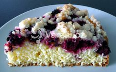 Rychlý moučník z ovoce a bílého jogurtu, vhodný k odpolední kávě. Krispie Treats, Rice Krispies, Sweet Cakes, Dessert Recipes, Desserts, Vanilla Cake, Oatmeal, Cheesecake, Cooking