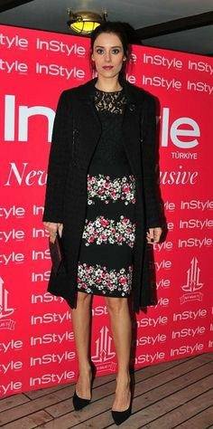 Cansu Dere - Instyle Event [Turkey] (December 2013) Beauty Pageant, New Years Party, Look, Sequin Skirt, Street Style, Actresses, Actors, Formal Dresses, Skirts