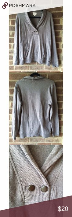 Banana Republic Sweater Beautiful and rich gray Banana Republic sweater adds timeless class to any outfit! Ribbed cowl neck detail comes down to meet at two brown buttons. This material has A LOT of stretch and will last quite some time. Make an offer or bundle and save! 👜👓🌼 Banana Republic Sweaters Cowl & Turtlenecks