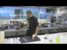 13. Sushi. '20 platos de Andrés Iniesta cocinados por David Muñoz' - YouTube