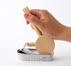 Design or Not Design / Tunna Tinn opener / Wood / Could be something for UNIVERSAL DESIGN, or what do you think?  / by muji