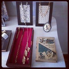 Chloe + Isabel Pop up Shop set up  #chloeandisabel #jewelry #popup https://www.chloeandisabel.com/boutique/marysvare