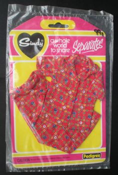 """SINDY 1980s clothes outfit (blouse & skirt) """"Separates"""" range, on original card 12 listed"""