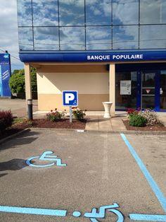 Aménagement place de parking handicapé pour la Banque Populaire Chenove par Malou Créamir