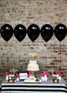 Black balloons at a party? Why not, when they're as pretty as this! The graphic black-and-white party table with pops of pink is absolutely gorgeous. Rosa Desserts, Pink Desserts, Kate Spade Party, Kate Spade Bridal, Kate Spade Cake, 30th Birthday, Birthday Parties, Classy Birthday Party, 50th Birthday Ideas For Mom
